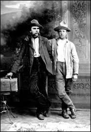 À quel mouvement littéraire Arthur Rimbaud, Charles Baudelaire et Guillaume Apollinaire appartenaient-ils ?