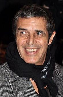 Qui est ce Julien, chanteur français ?