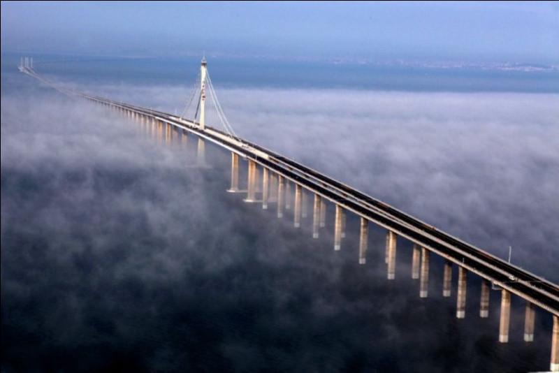 Dans quel pays se situe le Pont Haiwan ?
