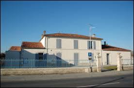 Commune néo-aquitaine, dans l'arrondissement de Saint-Jean-d'Angély, Les Nouillers se situe dans le département numéro ...