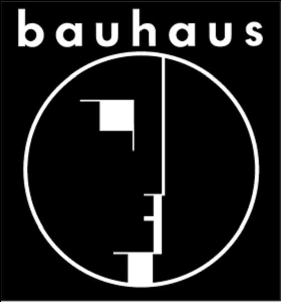 """Le Bal mécanique"""" est un roman de Yannick Grannec autour du ''Bauhaus''. Que désigne le ''Bauhaus'' ?"""