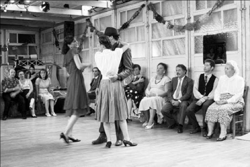 Qui chante ''Le P'tit Bal perdu'' fin 1961 ?