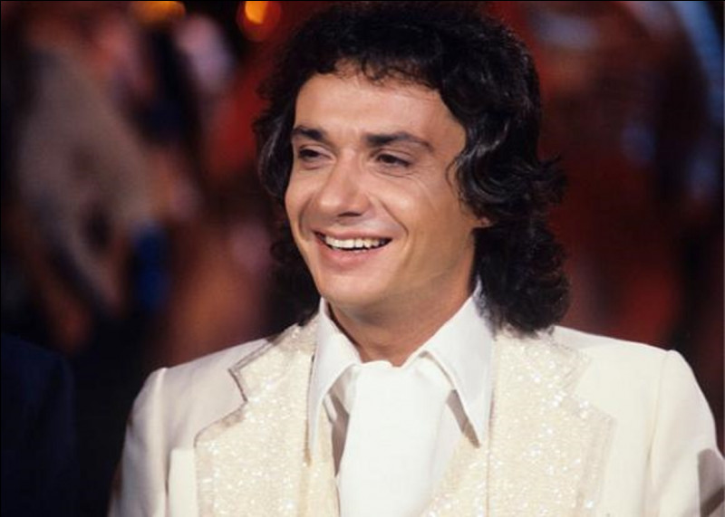 Comment sont les bals selon le titre de la chanson de Michel Sardou en 1970 ?