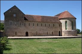 Village Berrichon, Genouilly se situe en région ...