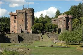 Je vous propose de partir en Auvergne-Rhône-Alpes à la découverte du château des Dauphins d'Auvergne, à Pontgibaud. Commune de l'aire urbaine Clermontoise, elle se situe dans le département ...