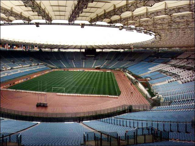 Lesquelles de ces équipes jouent leur match à domicile dans ce stade ?