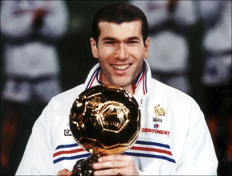 En quelle année Zinédine Zidane a-t-il remporté le Ballon d'Or ?