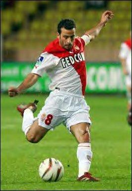 Avec quel club Ludovic Giuly a-il-été en finale de la Ligue des Champions lors de la saison 2003-2004 ?