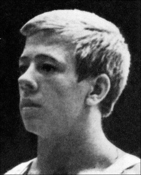 15 médailles > Nikolay Andrianov (1972-1980). Gymnaste extraordinaire, il est né à Vladimir, qui fait partie de ... ... de l'ancienne Moscovie.