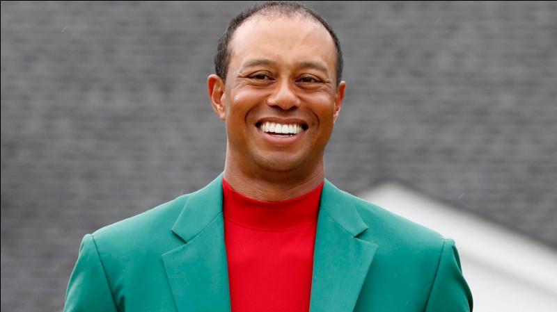 Quel sport Tiger Woods pratique-t-il ?
