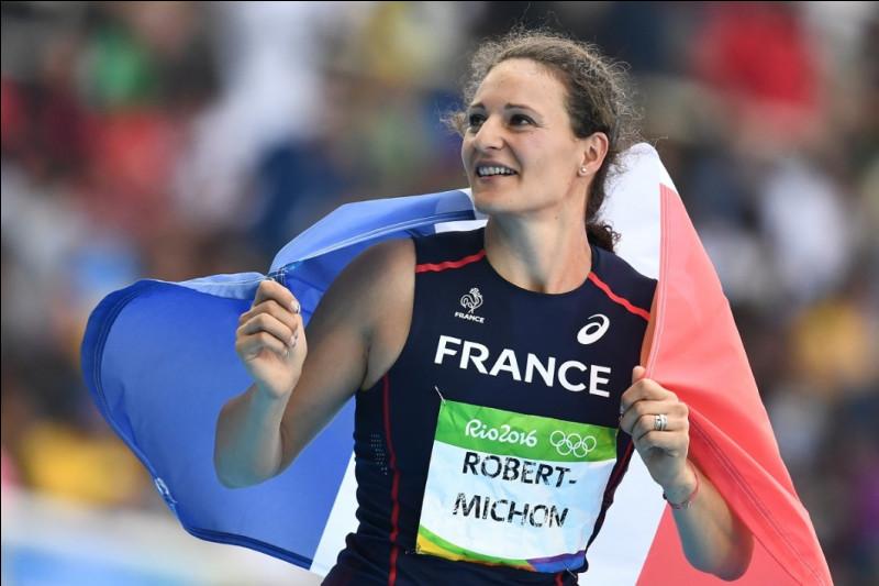 Quel sport Mélina Robert-Michon pratique-t-elle ?