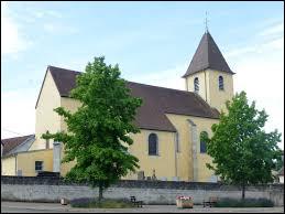 Nous sommes en Bourgogne-Franche-Comté, à Chantes. Commune de l'arrondissement de Vesoul, dans un méandre de la Saône, elle se situe dans le département ...