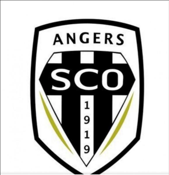 Depuis quelle année Stéphane Moulin est-il l'entraîneur d'Angers SCO ?