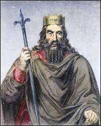 Qui a baptisé Clovis en 456 ?