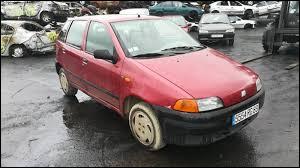 Quel est le nom de ce modèle de première génération sorti dans les années 90 ?
