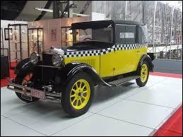 Comment s'appelle ce modèle des années 20 connu pour incarner la voiture du personnage Gaston Lagaffe ?