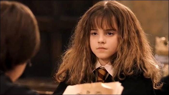 Comment s'appelle cette jeune sorcière ?