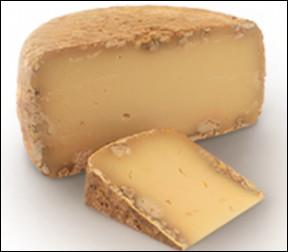 Quel est ce fromage au lait entier de brebis à pâte pressée non cuite, l'emblème du Pays Basque ?