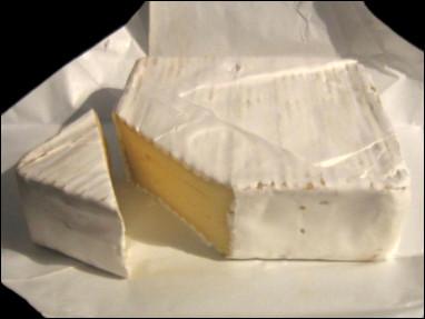 Quel est ce fromage à base de lait de vache, à pâte molle, à croûte fleurie où lavée, une spécialité de Lorraine ?