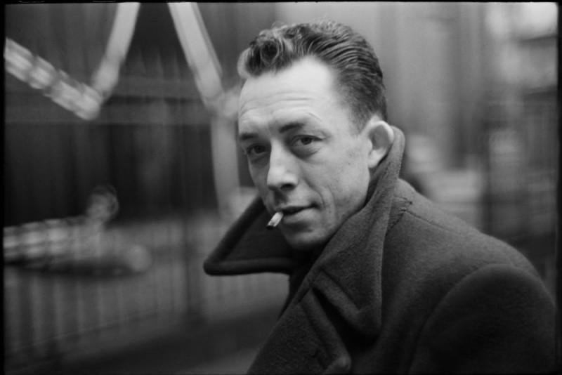 C'est simple, impossible de se tromper. Si je vous dis Albert Camus, à quel livre pensez-vous ?