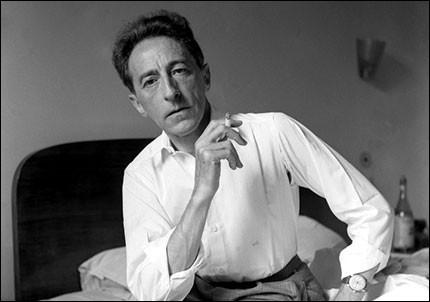 Poursuivons avec Jean Cocteau. Entre les trois livres ci-dessous, lequel est de lui ?