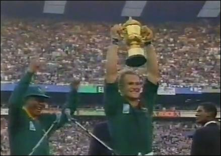 Lors de la Coupe du monde 1995 qui s'est vu refuser pour quelques centimètres l'essai de la victoire contre l'Afrique du Sud ?