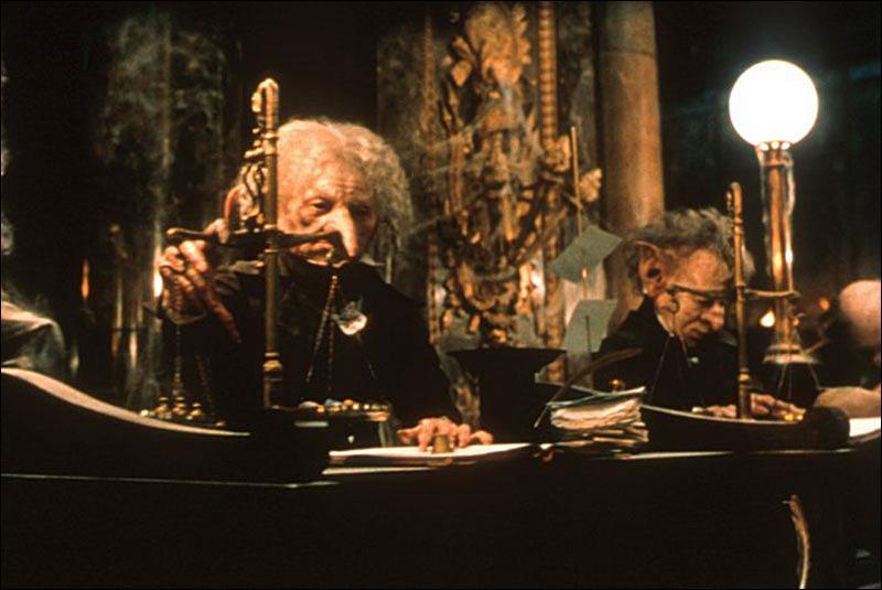 Quelles créatures dirigent la banque des sorciers Gringotts, réputée pour être l'une des plus sûres ?