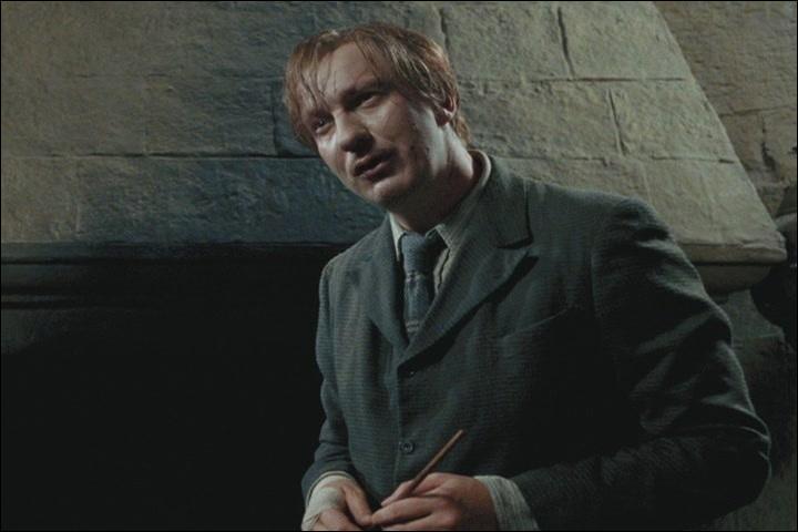 Lors de sa jeunesse, quel surnom portait l'ancien professeur de défense contre les forces du mal Remus Lupin ?