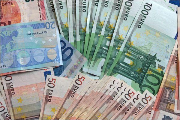 En 1720, quel homme a introduit en France le premier billet de banque ?