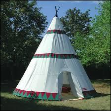 Pour qui le tipi est-il un habitat traditionnel ?