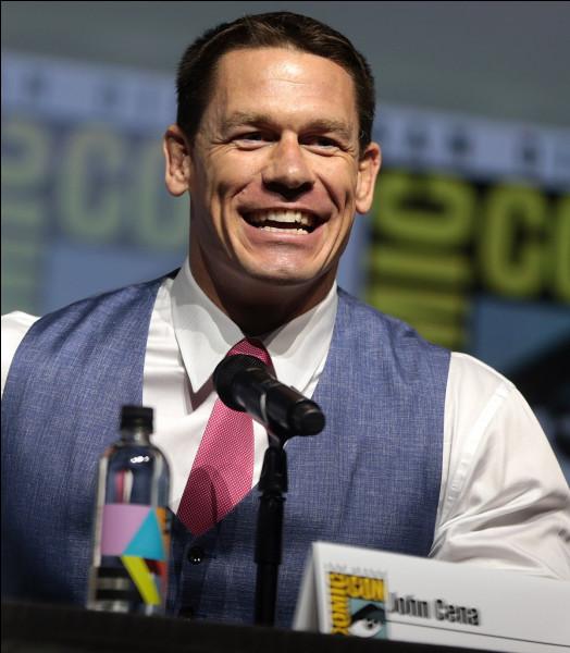 Dans quelle discipline sportive s'est fait connaître John Cena ?