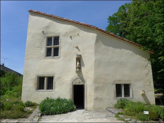 Quel est son lieu de naissance ? (maison de Jeanne d'Arc en photo)