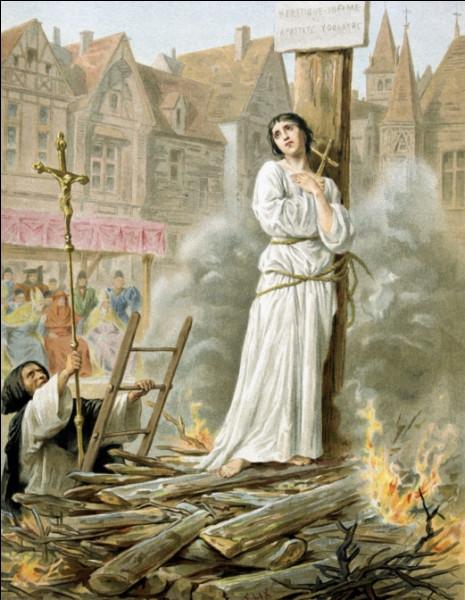 Dans quelle ville fut-elle brûlée vive par les Anglais ?
