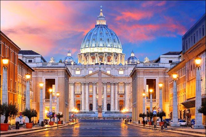 Quel artiste a peint les fresques des chambres du pape au Vatican ?