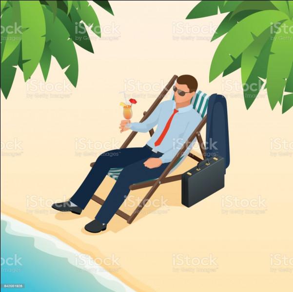Sacré flic ! Depuis sa chaise longue, sous le soleil de plomb, il surveille un autre flic ! Qui est-il ?