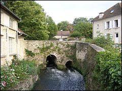 Commune francilienne, dans la Grande Couronne, Rennemoulin se situe dans le département ...
