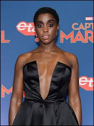 """Comment s'appelle cette femme, nouveau visage du célèbre agent """"007"""" ?"""