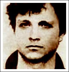 Roberto Succo dit 'Succo le fou' est un vénitien qui commis de nombreux crimes autour de Toulon. Ce jeune homme était durement frappé de schizofrénie. Qui furent ses premières victimes ?