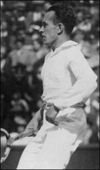 Joueur Français. 5 Roland Garros, 2 Wimbledon, 1 US Open. Médaillé d'argent au JO de Paris en 1924.