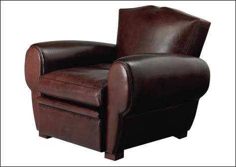 Quel nom Joey donne-t-il à son fauteuil ?