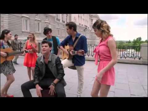 Dans la saison où partent Diego, Violetta, Francesca et León, lors de leur voyage où vont-ils ?