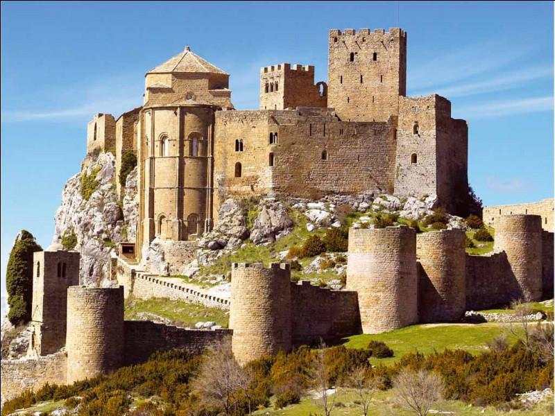 Dans « Kingdom of Heaven » de Ridley Scott (2005), Orlando Bloom se balade sur les remparts de ce château espagnol.