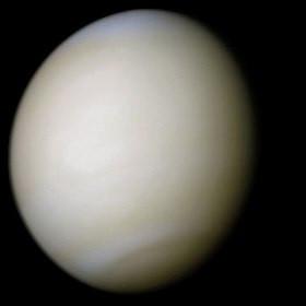 Combien de temps dure la période de rotation de Vénus ?
