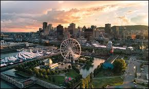Sur la photo, nous sommes à Montréal.