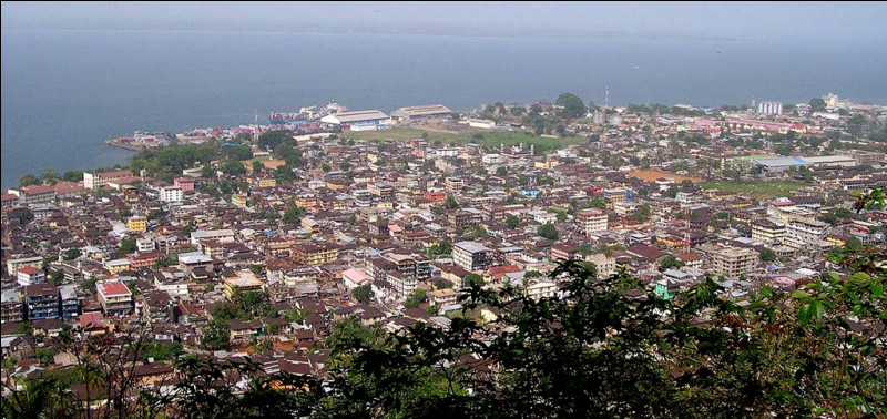 Freetown, 1 million d'habitants, est une ville d'...