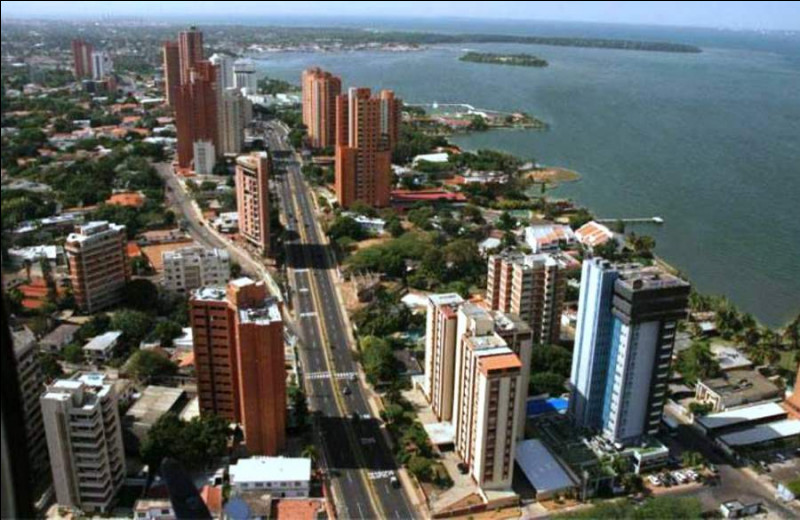 Maracaibo, 1,7 million d'habitants, est une ville d'...