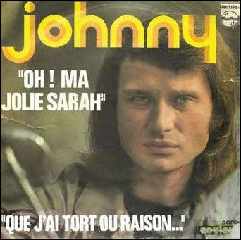 Commençons par l'idole des jeunes ! Bon, ce n'est pas Johnny qui écrivait ces pochettes de disque, mais tout de même... Quelle est la faute ?