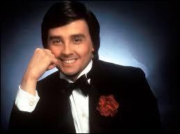 Humoriste spécialisé dans l'imitation, devenant très populaire au début des années 80, il s'agit de...