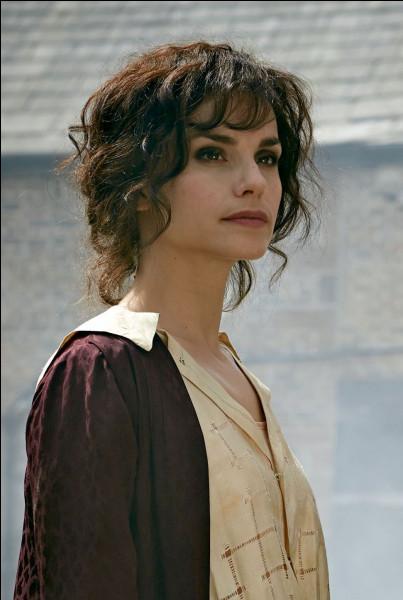 Quel est le personnage joué par Charlotte Riley ?