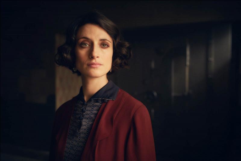 Quel est le personnage joué par Natasha O'Keeffe ?